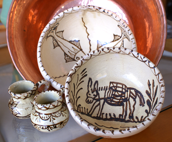 Traditional Bowls Cream and Brown