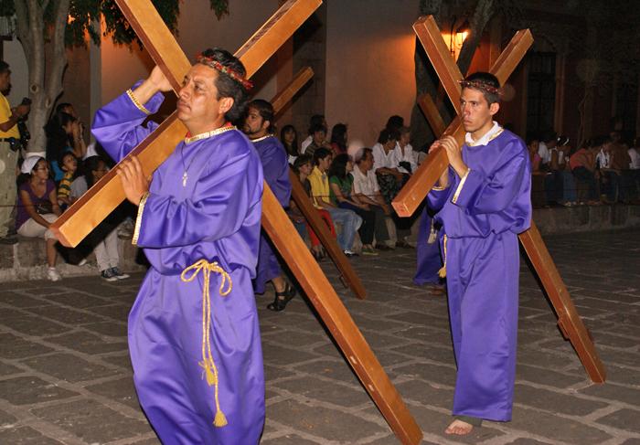 Cargando la Cruz 2