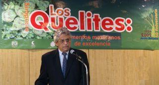 Quelites Javier Caballero hablando MC 2