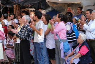 Crowd, Atotonilco