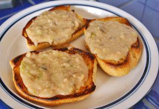 Pan con Frijolitos