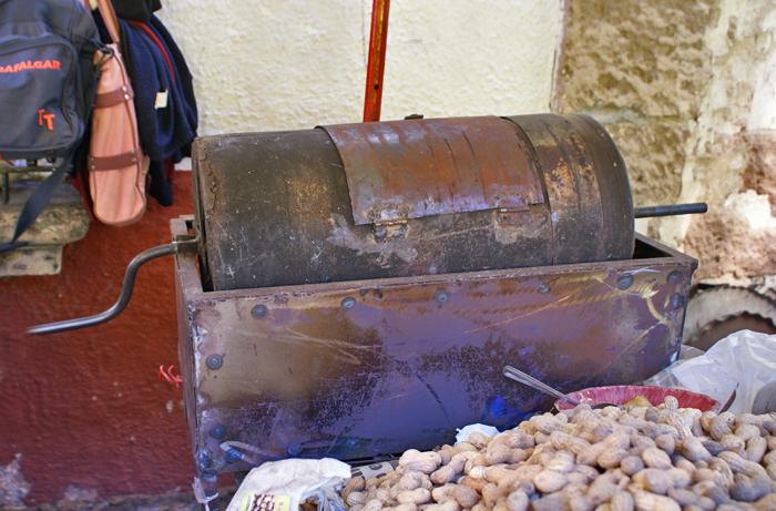 Home-made Peanut Toaster con Carbón