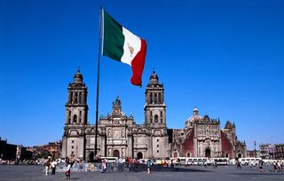 Zocalo-cd-mexico-y-catedral