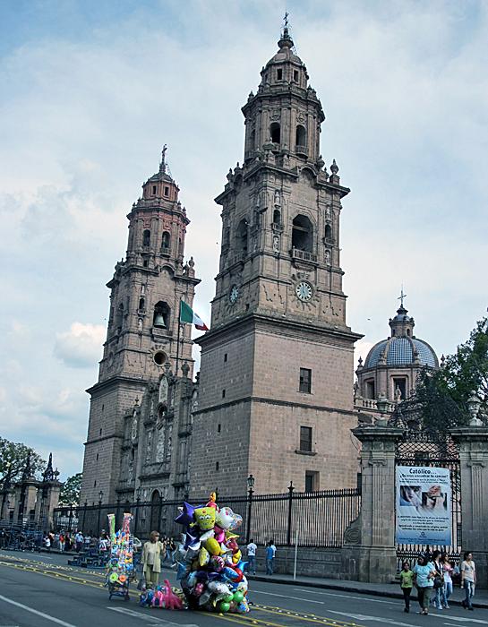 Feria Catedral Morelia con Bob Esponja