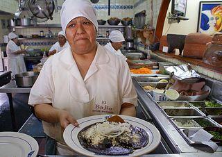 Titita Doña Sandra Olvera