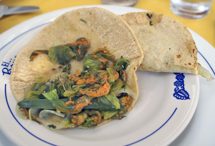 Titita Tacos de Flor de Calabaza