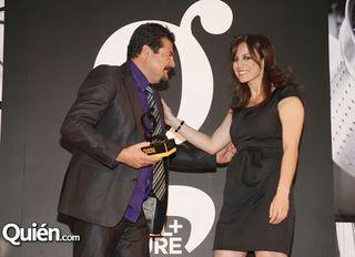 Travel Leisure Alejandro Ruíz Receives Award