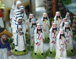 Nacimiento Figures 2 (shepherds)