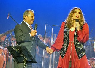 Tania Con Armando Manzanero 2