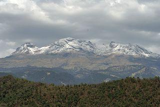 Amecameca Iztaccíhuatl 1