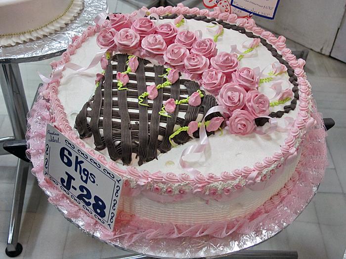 Pan Tour La Ideal Pastel Canasta de Rosas