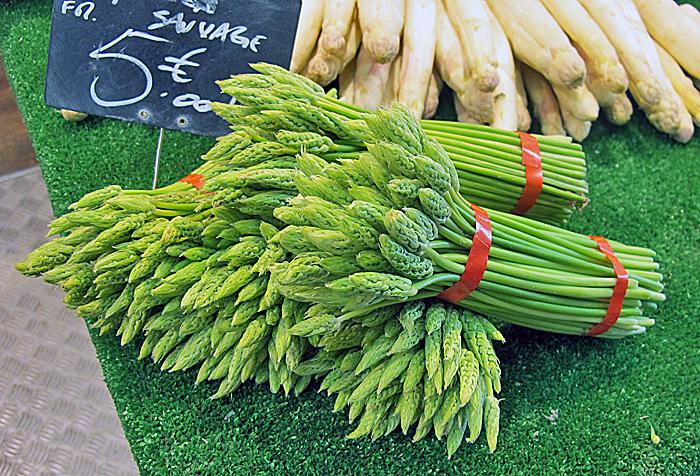 Paris Marché d'Aligre Wild Asparagus