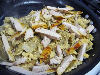 Chilaquiles con Pechuga de Pollo