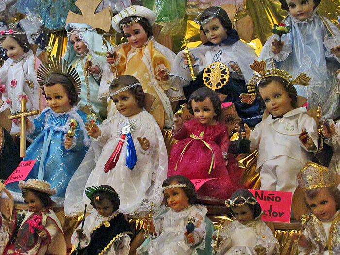 Niño Dios Grupo Vestido