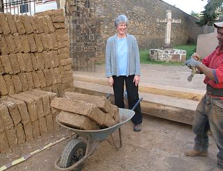 Tours Donna and Adobe in Tzintzuntzan