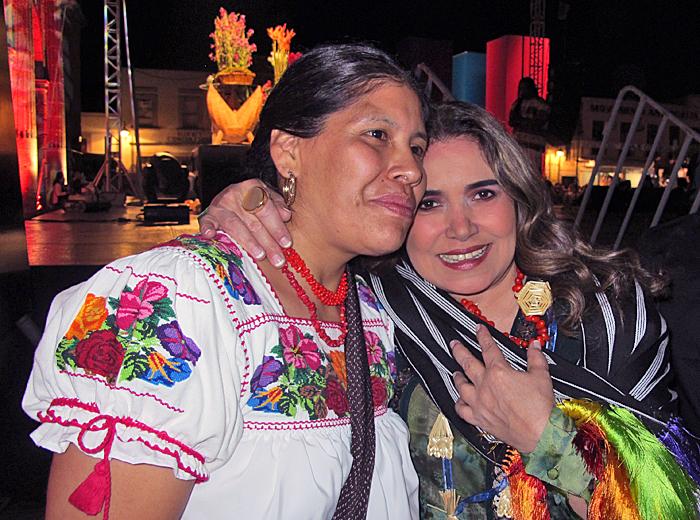 Tours Rosalba Morales Bartolo con Tania Libertad Morelia 11-17-2012