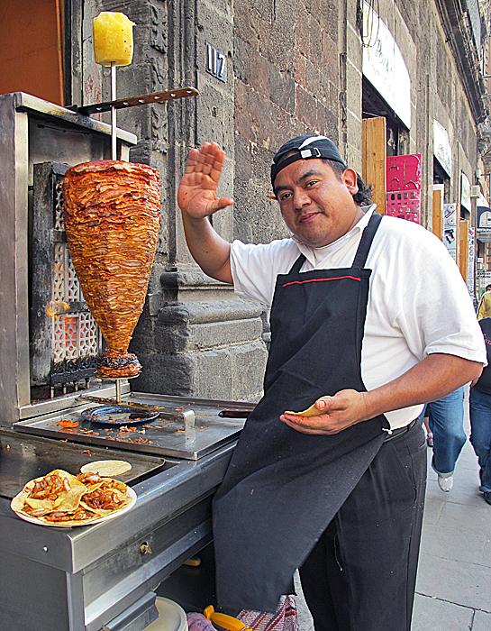 Tacos al Pastor Calle Uruguay DF