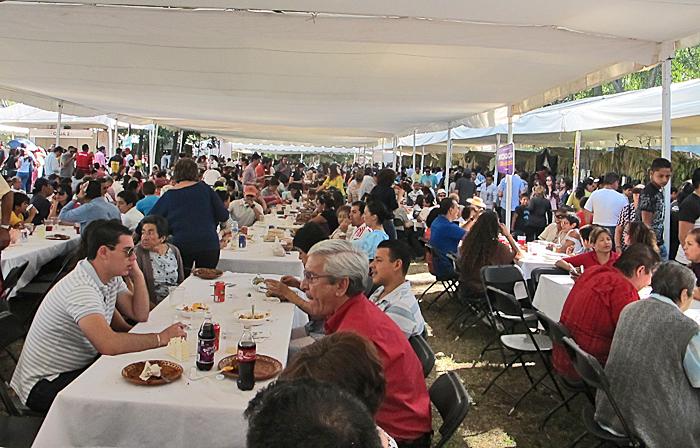 Encuentro Crowd Saturday
