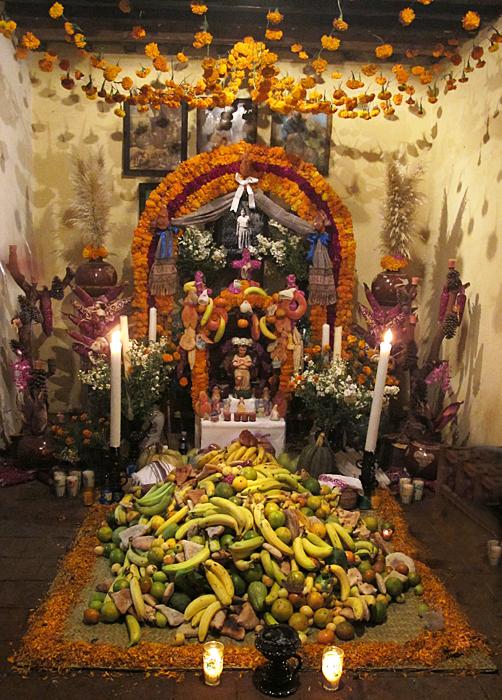 Muertos Altar Casero Nico