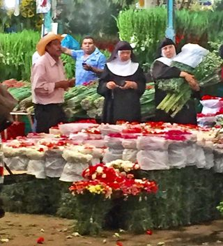 Mercado de Jamaica Nuns