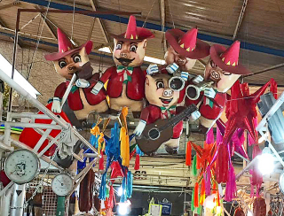 Mariachi Cerdo Mercado