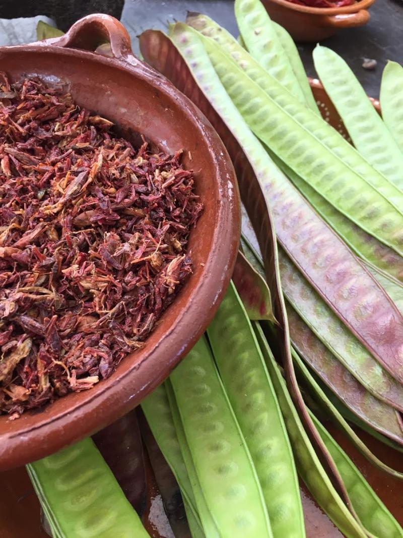 Chapulines y Guajes