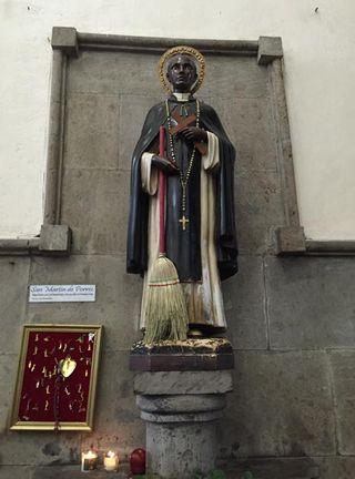 San Hipólito San Martín de Porres Escoba