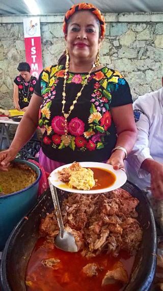 Oaxaca Istmo Carne de Cerdo con Puré de Papa Gaby Vargas
