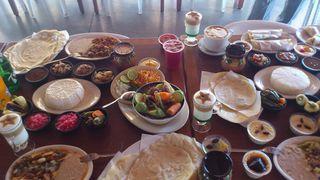 Fonda Los Burritos Table