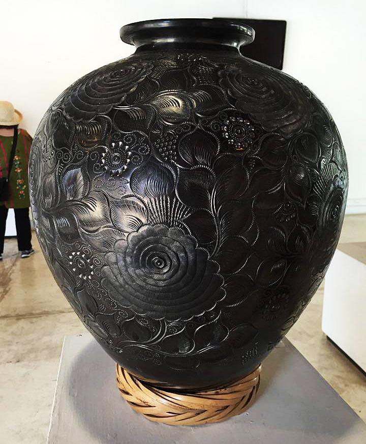 Museo San Bartolo Olla Negra Enorme MC