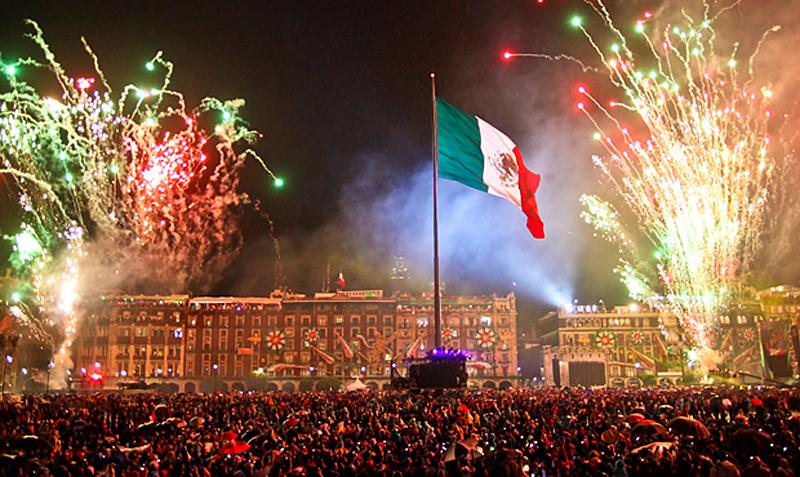 Grito-independencia-zocalo-2015