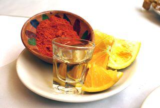 Oaxaca La Teca Mezcal con Sal de Gusano