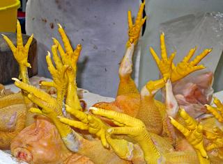 Mercado Patas de Pollo 1