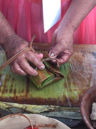 Tying Banana Leaf 1