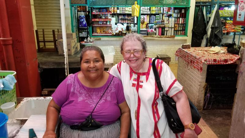 Tehuantepec Cristina con María del Carmen