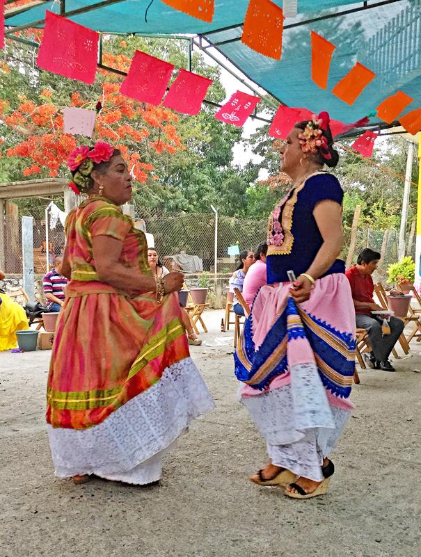 Silvana Baile del Barrio Tehuantepec