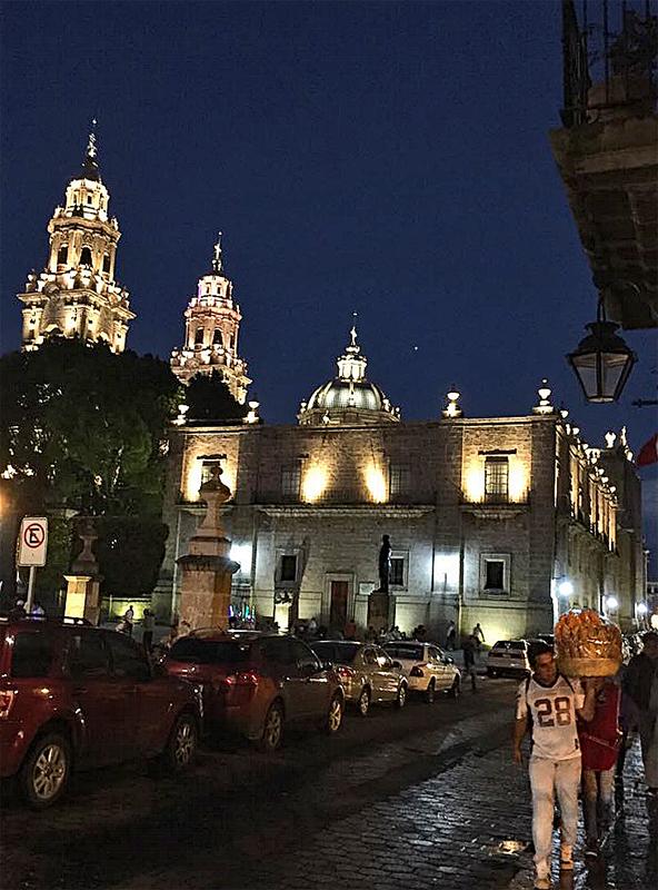 Consp Catedral de Noche 1