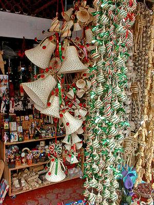 Tzintzuntzan_christmas_ornaments_2