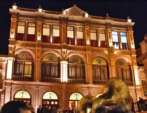 Teatro_calderon_de_noche