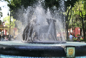 Coyoacn_fountain
