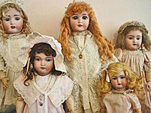 Doll_collection_2